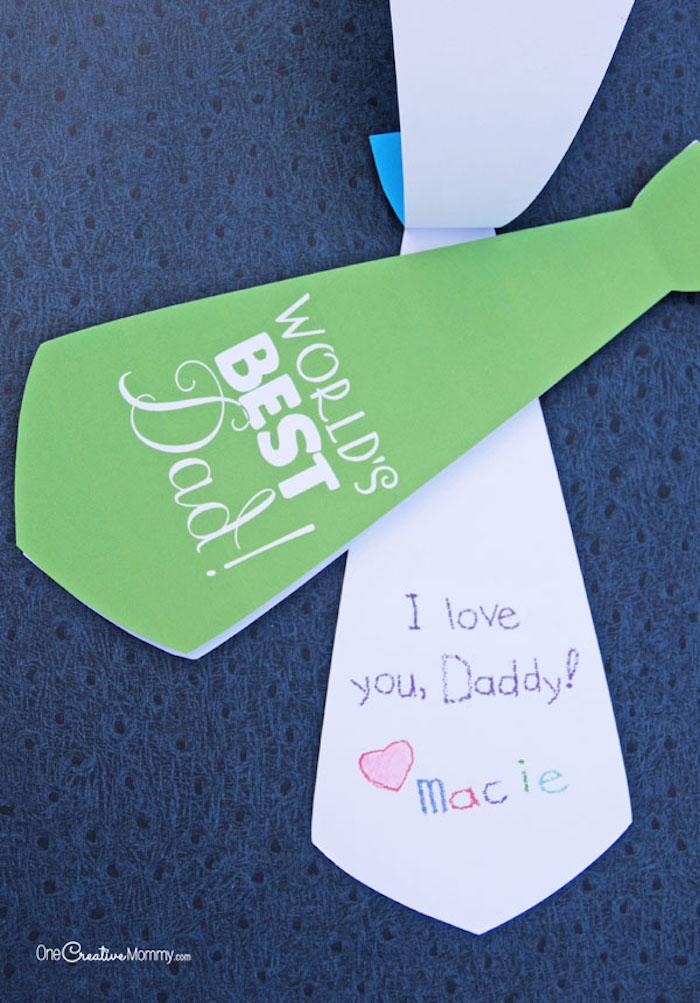 Krawatte aus Papier selber machen, Geschenkidee zum Vatertag, basteln mit Kindern zum Vatertag