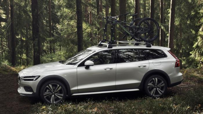 ein graues Auto für Off-Road Abenteuer von Volvo, Sicherheit spielt eine große Rolle