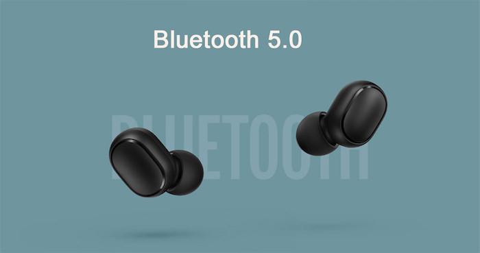 xiaomi redmi airdots ohrhörer mit Bluetooth 5.0, zwei kleine schwarze kabellose ohrhörer