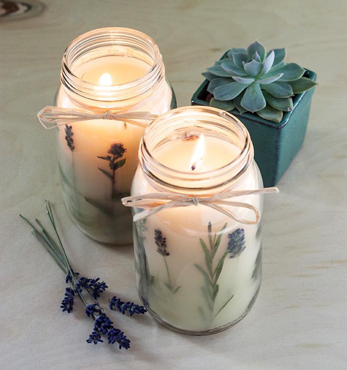 Duftkerzen mit Lavendelblüten selber gießen, DIY Geschenkidee für Weihnachten