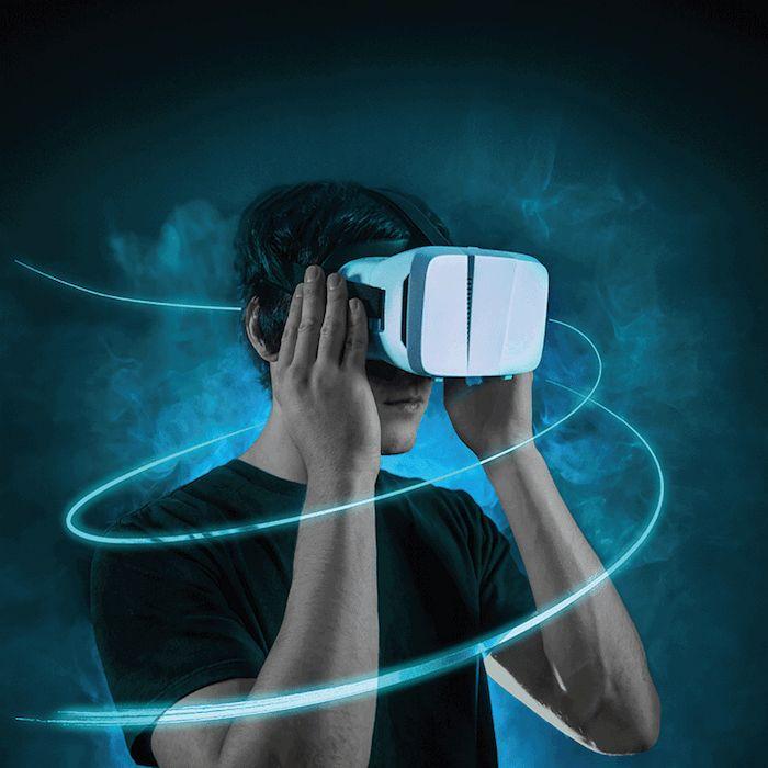 große oder kleine geschenke für männer, vr brille, virtuelle realität, mann mit brille