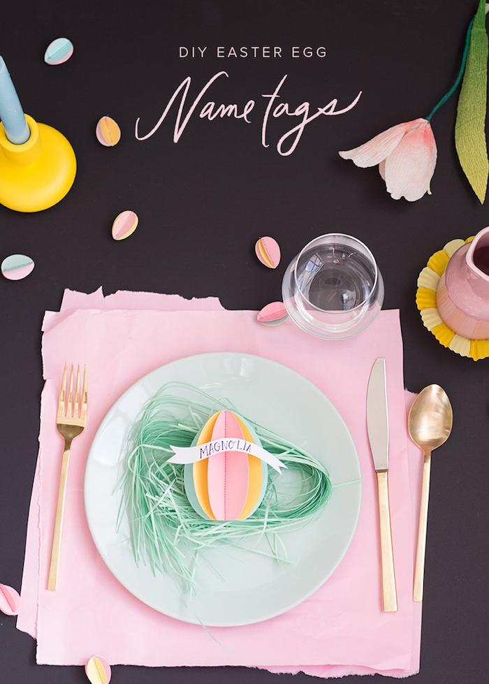 DIY Idee für Tischdeko zu Ostern, 3D Osterei aus Karton selber machen, Gras aus grünem Papier