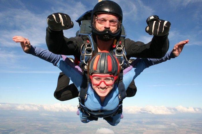 geschenk für besten freund, zusammen mit parachute springen, vom flugzeug springen, abenteuer