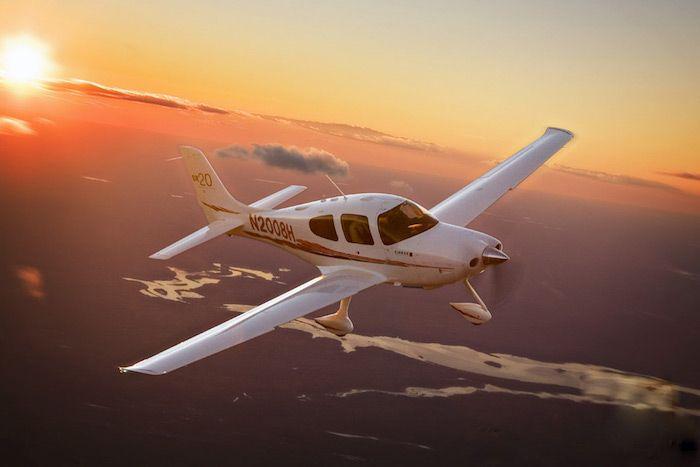geschenk für besten freund, flug mit helikopter, flugzeug selber steuern, faszinierende ausblicke