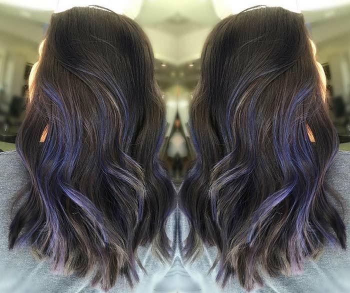 balayage grau blau und rosa sind hit trends für ausgefallene haarstyles, blaue strähne in den haaren