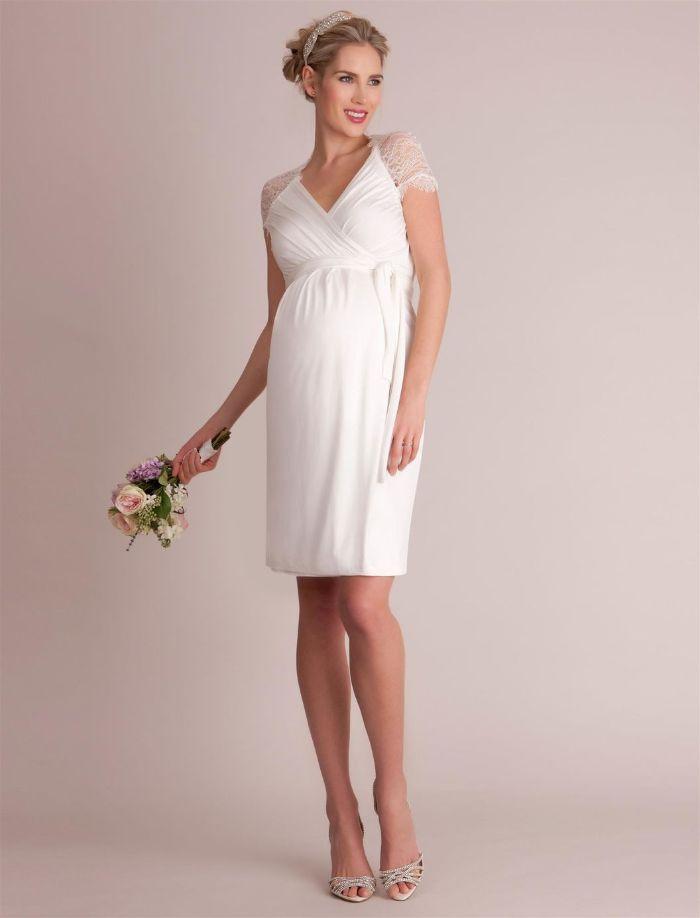 umstands hochzeitskleid, kurzes kleid für elegante schwangere braut, diadem mit perlen in den haaren