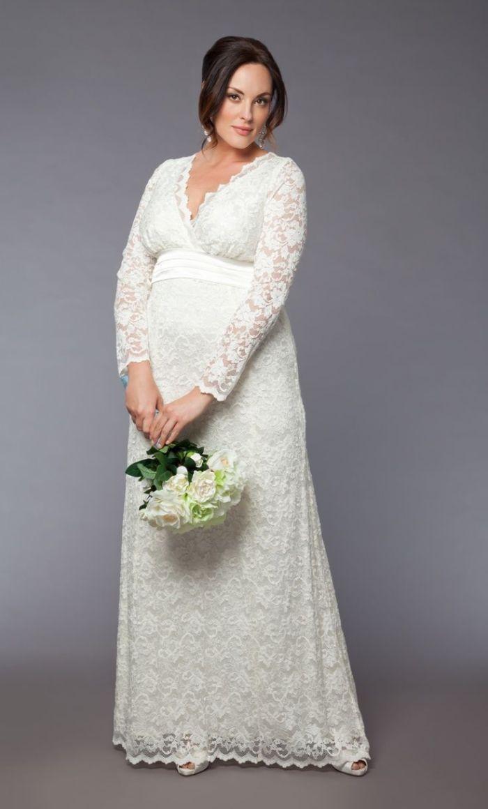 brautkleider für schwangere, langes kleid für eine braut, umstandskleid modell ideen, spitze, weißer blumenstrauß