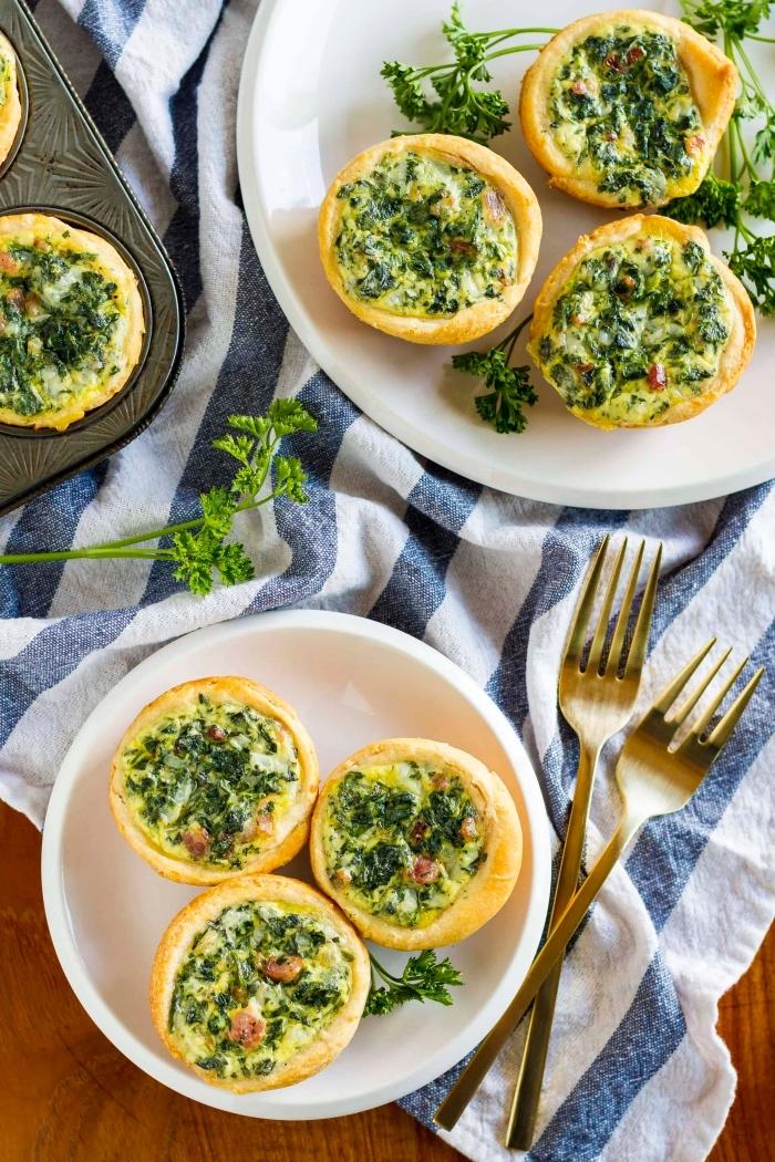 brunch rezepte zum vorbereiten, gesundes frühstück, tartaletas mit käse, spinat und schinken