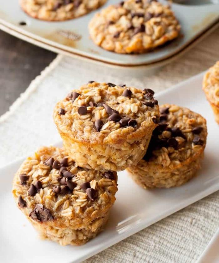 gesunde muffins mit bananen und haferflocken, cupcakes rezepte einfach und schnell, schokoladenchips