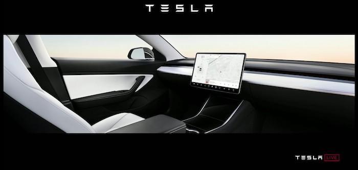 Elon Musk verspricht erste Roboter-Taxis für nächstes Jahr, Fahrzeug ohne Lenkrad