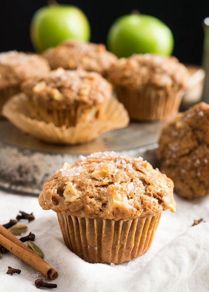 einfach eund shclee rezepte, geburtstagsmuffins, gesunde muffins mit äpfeln, kürbis und zimt
