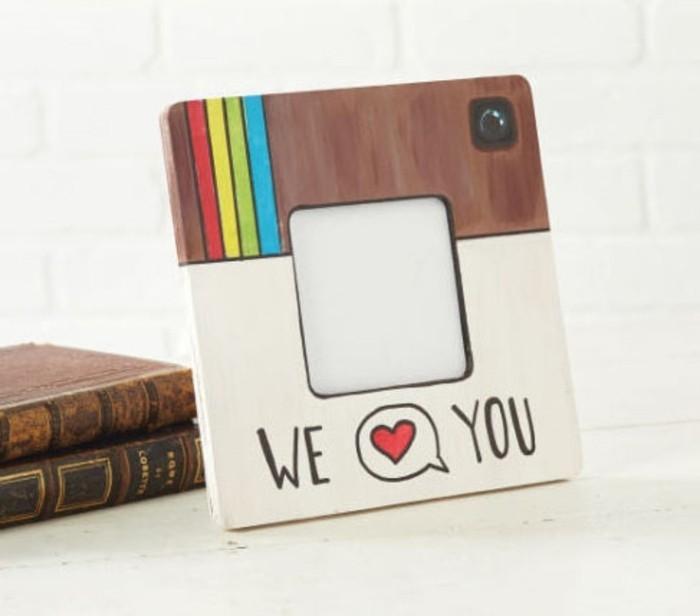 geschenkideen zum selber machen instagram logo als bilderrahmen, deko ideen selbst malen,