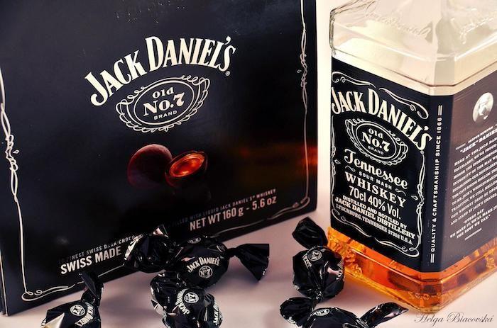geburtstagsgeschenk für freund, jack daniels, hoch qualität whiskey, bonbons, pralinen, geschenkidee