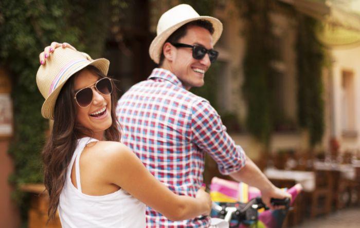 geschenke für männer zum geburtstag, eine reise nach italien oder griechenland ist immer gute idee für zwei