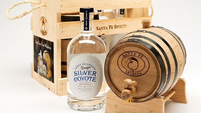 geschenke für väter, die sich nichts wünschen, kleine geschenke mit aufschrift, set zum selber machen von whiskey