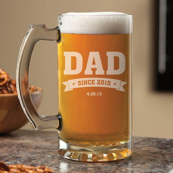 kleine geschenke für freund oder vater, auch für den ehemann, bierglas mit aufschrift, der beste vater