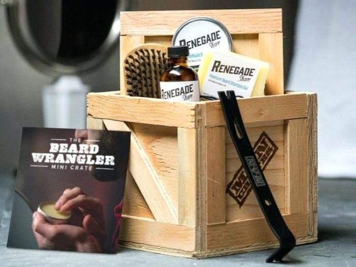 kleine geburtstagsgeschenke für männer, box mit bartpflege, bürste, seife
