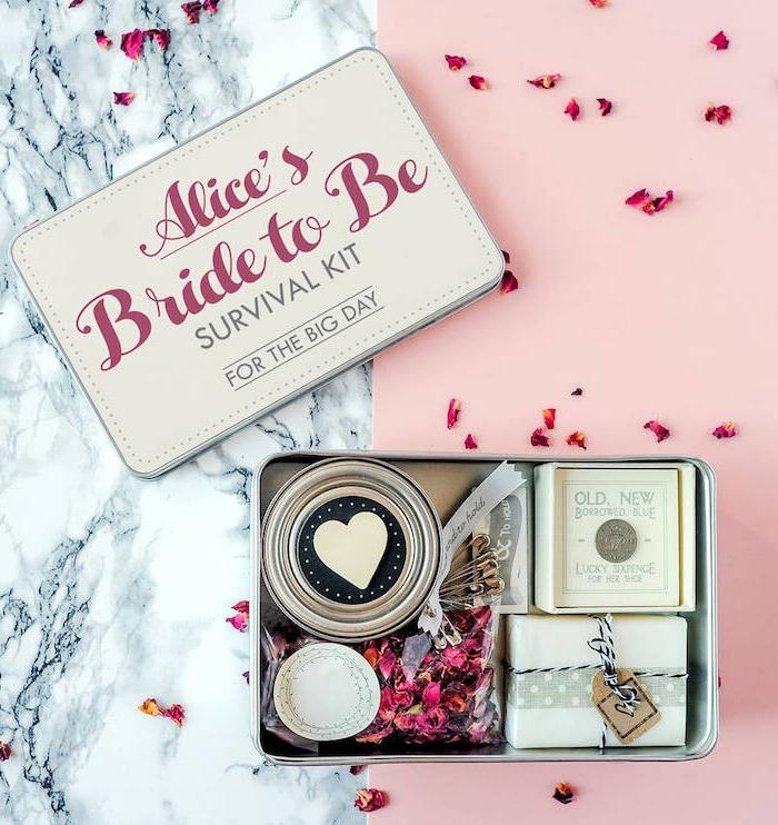 Survival Kit für den großen Tag, cooles Geschenk von Brautjungfern für die Braut