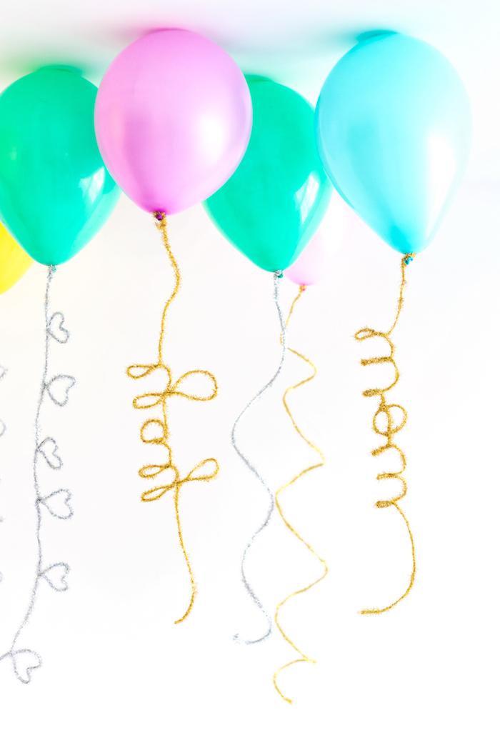 Party Deko für Junggesellinnenabschied, bunte Ballons mit Helium mit Botschaften