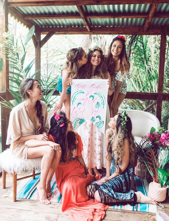 Tropische Party mit besten Freundinnen vor der Hochzeit, coole Ideen für unvergesslichen Junggesellenabschied