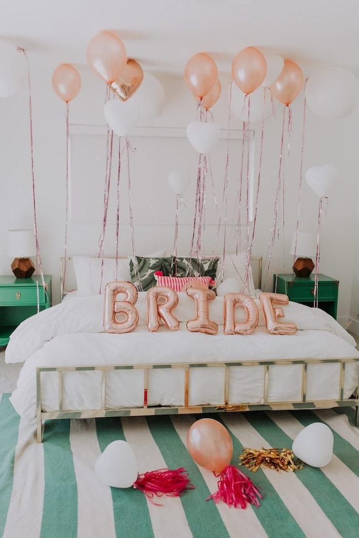 Coole Deko Idee für Junggesellinnenabschied, aufblasbare Aufschrift Bride und viele Ballons