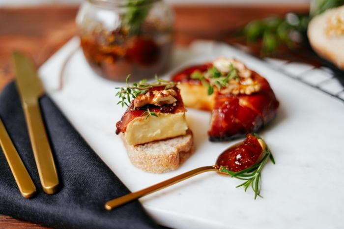 leckere rezepte von archzine studo brie käse backen party essen für gäste einfache zuberietung