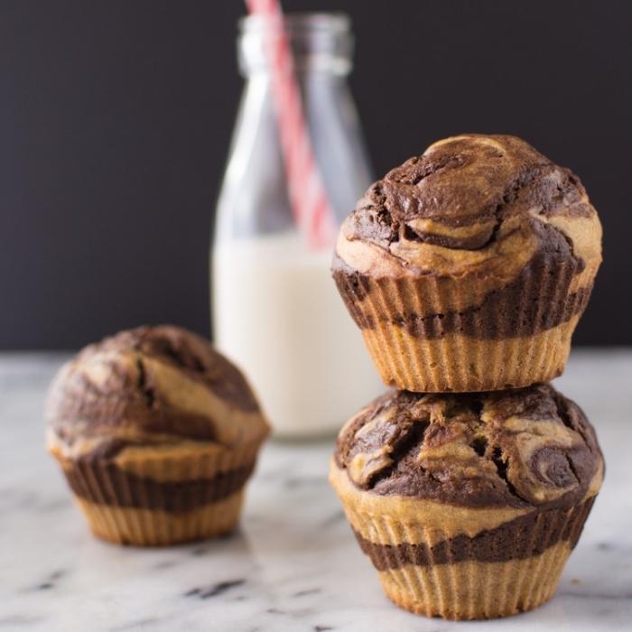 cupcakes mit schokolade und bananen, marmor muffins rezept schoko, geburtstagsmuffins