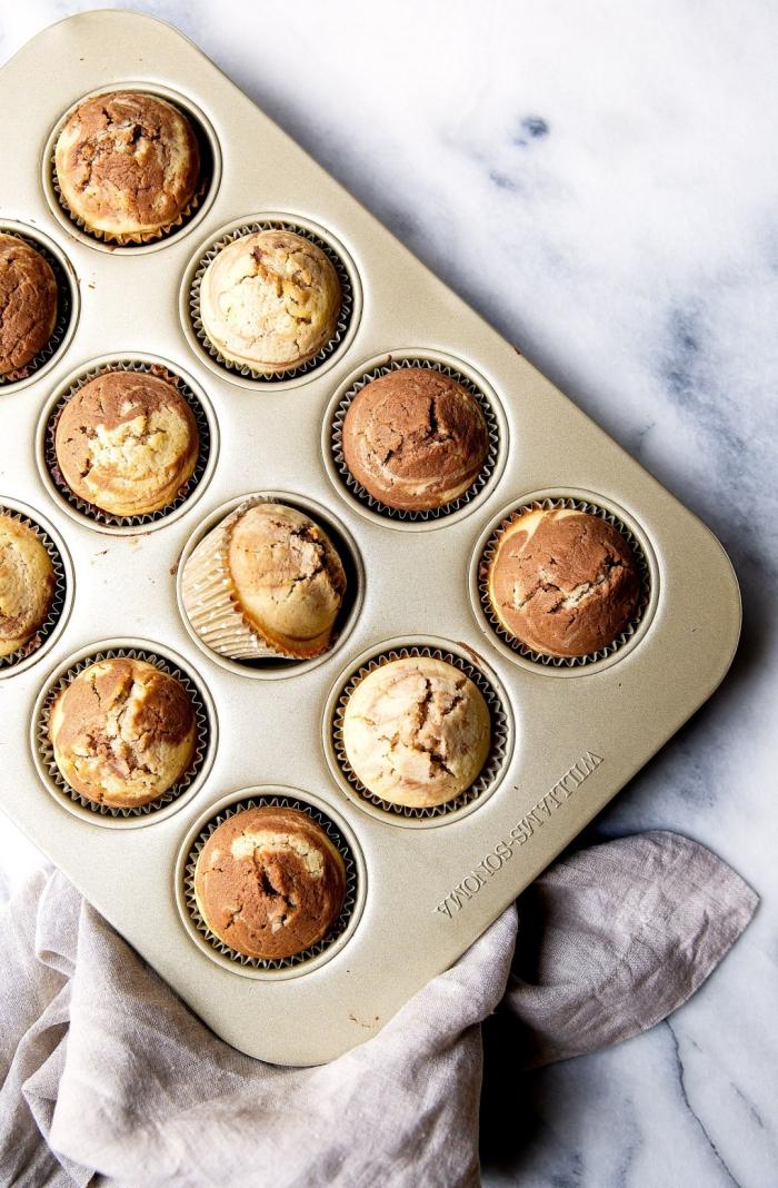 muffins rezept schoko, marmor muffins zweifarbig, mini cupcakes, geburtstagsmuffins