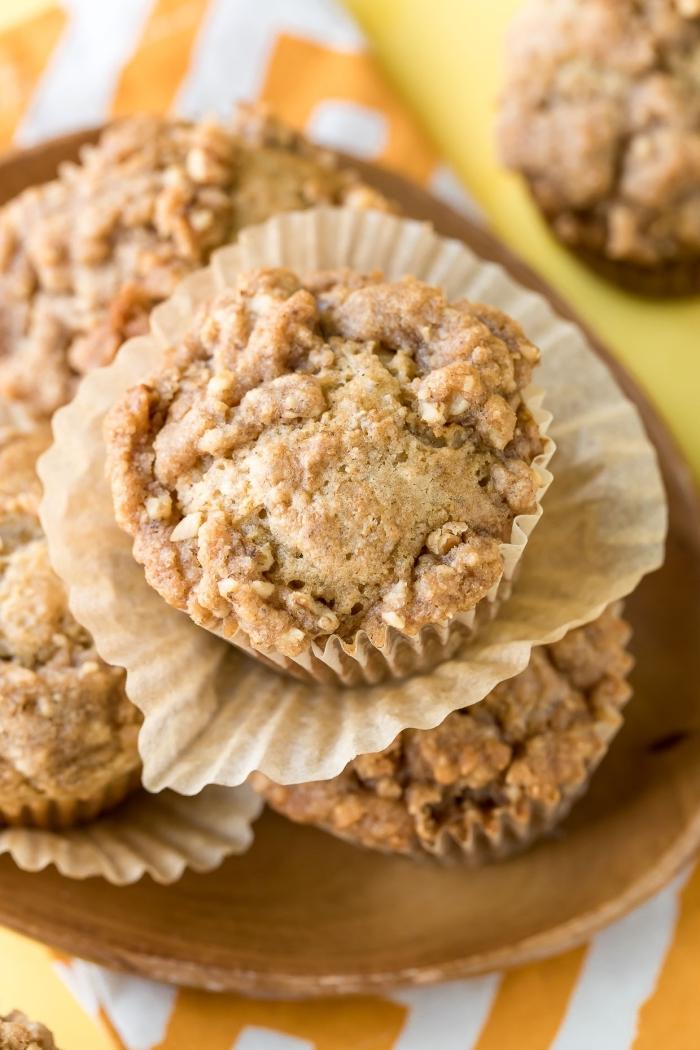 cupcakes mit bananen und äpfeln, muffins für kinder, schnelle partyrezepte
