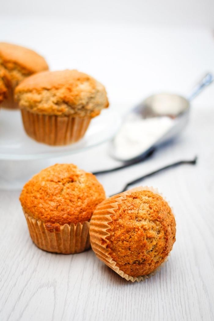 muffins grundrezept, schnelle cupcakes aus mehl, eier und milch, mini gebäcke