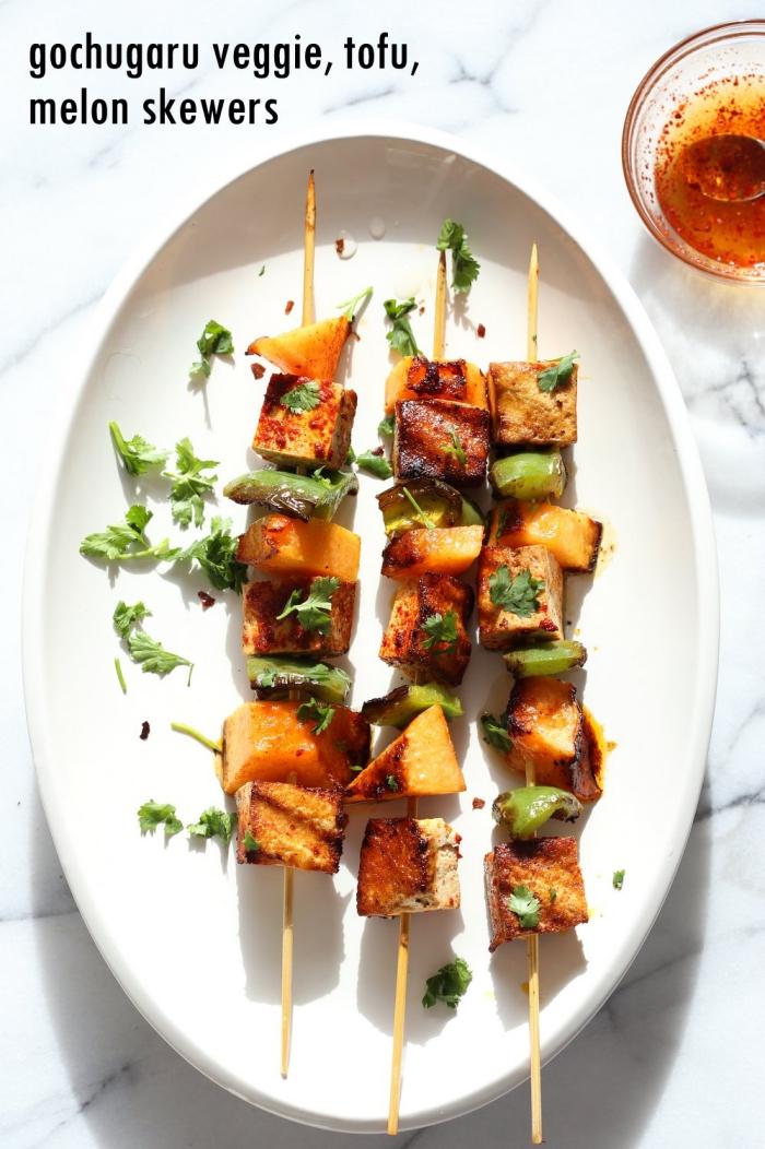 party essen schnell, rezepte mit wenig kalorien, spieße mit tofu und gemüse, partyrezepte