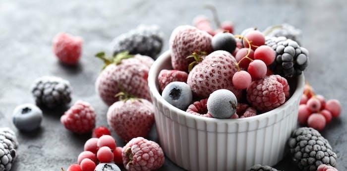 Gefrieren Sie Reste ein oder verwerten Sie diese neu, gefrorene Beeren