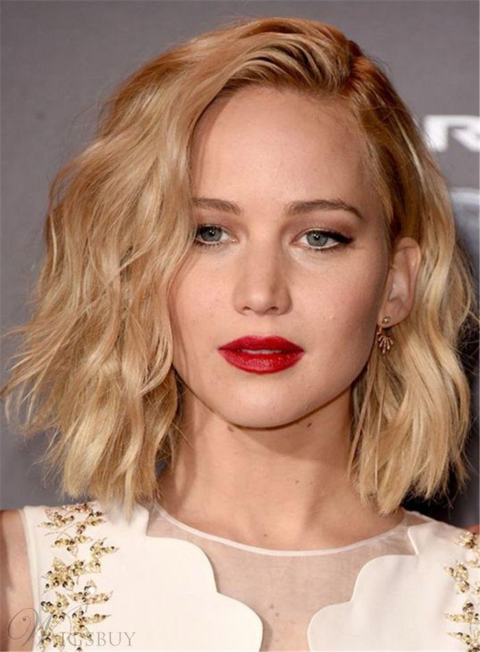 haarschnitt stufenlang, kurze blonde haare, länge bis zu den schultern, elegante frau mit rotem lippenstift