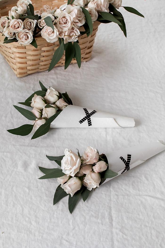 creme rosen, selsbtgemachte geschenke für mama, diy anleitung, blumensträße selber machen