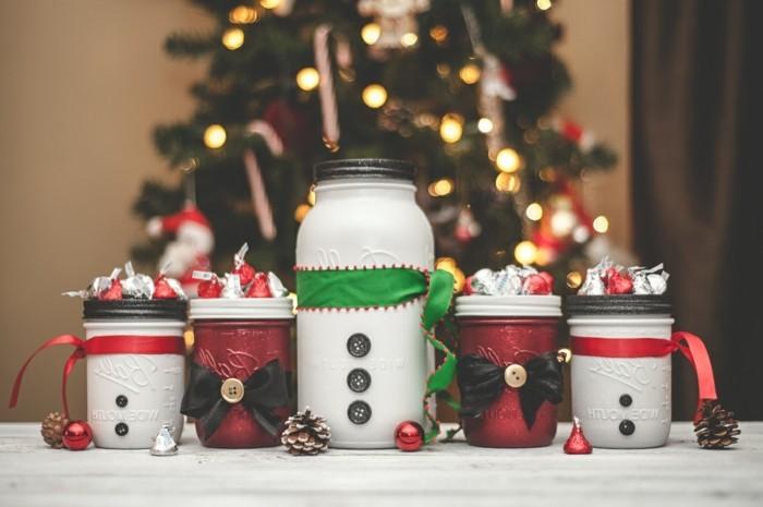 geburtstagsgeschenke selber machen, weihnachts inspo geburtstag zu weihnachten, schneemann einmachglas, deko selber basteln