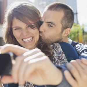 Pixel 3 kann schon Küsse als Auslöser für Fotos erkennen
