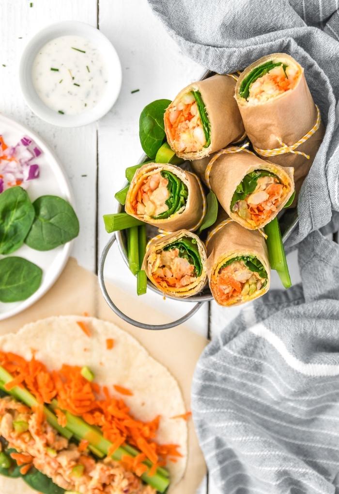 rollen mit füllung aus karotten, selerie und spinat, snacks rezepte, schnelle snacks