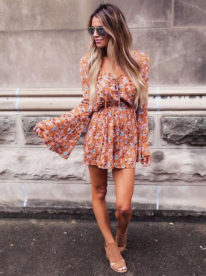 hippie kleid, boho style kleider, coole outfits damen, kurze hemdhose mit langen weiten ärmeln
