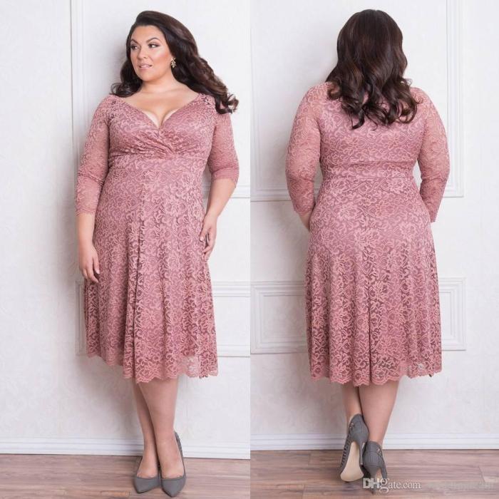 damenmode große größen, festliche mode für mollige, rosa kleid mit spitze, outfit hochzeitsgast ideen