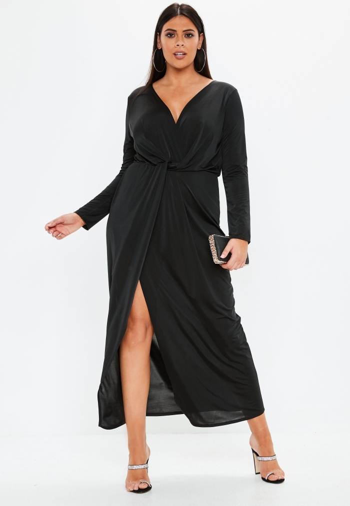 festliche kleider für mollige, abendmode für mollige damen, schwarzes kleid mit langen ärmeln, kleine tasche
