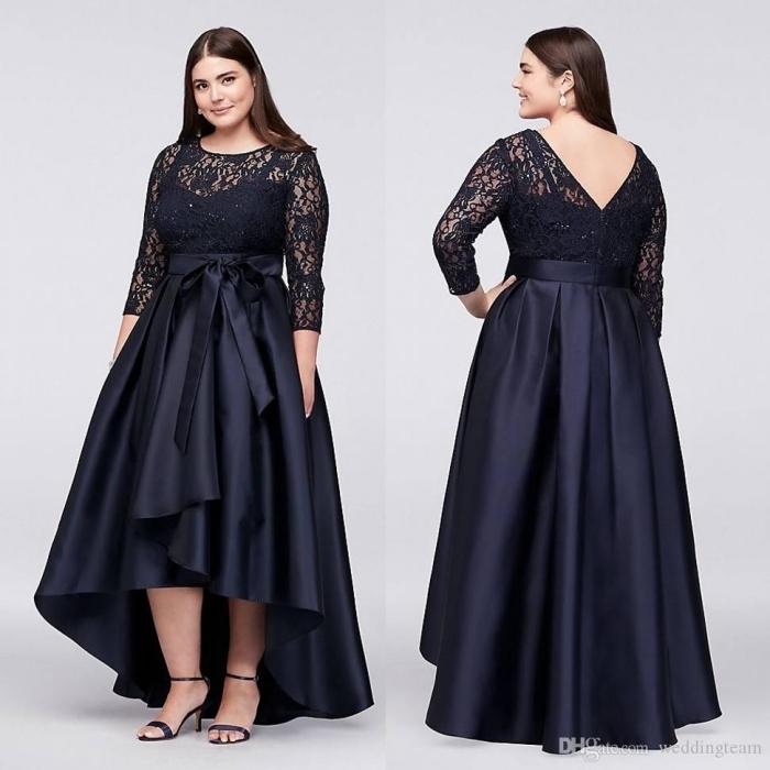 festliche kleider große größen, dunkelblaues abendkleid mit ärmeln aus spitze, abendmode für mollige