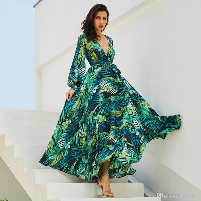 festliches outfit damen, langes grünes sommerkleid mit blätter motiv, kleid mit langen ärmeln