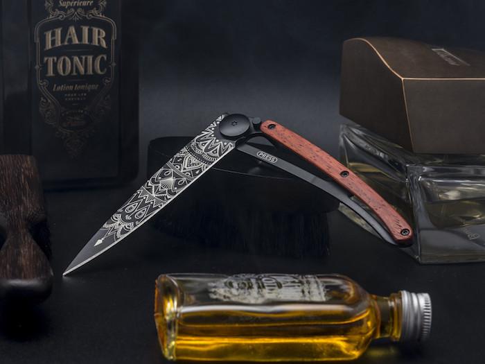 Deejo - ein persönliches Messer, das man immer bei sich tragen kann