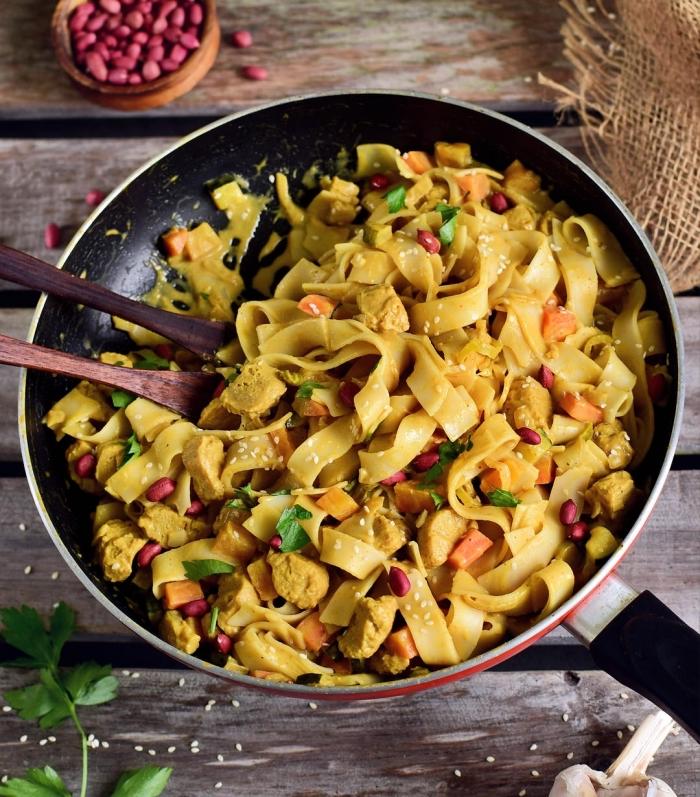 mittagessen ideen, glutenfrei kochen, pasta ohne gluten, große pfanne, rezepte glutenfrei