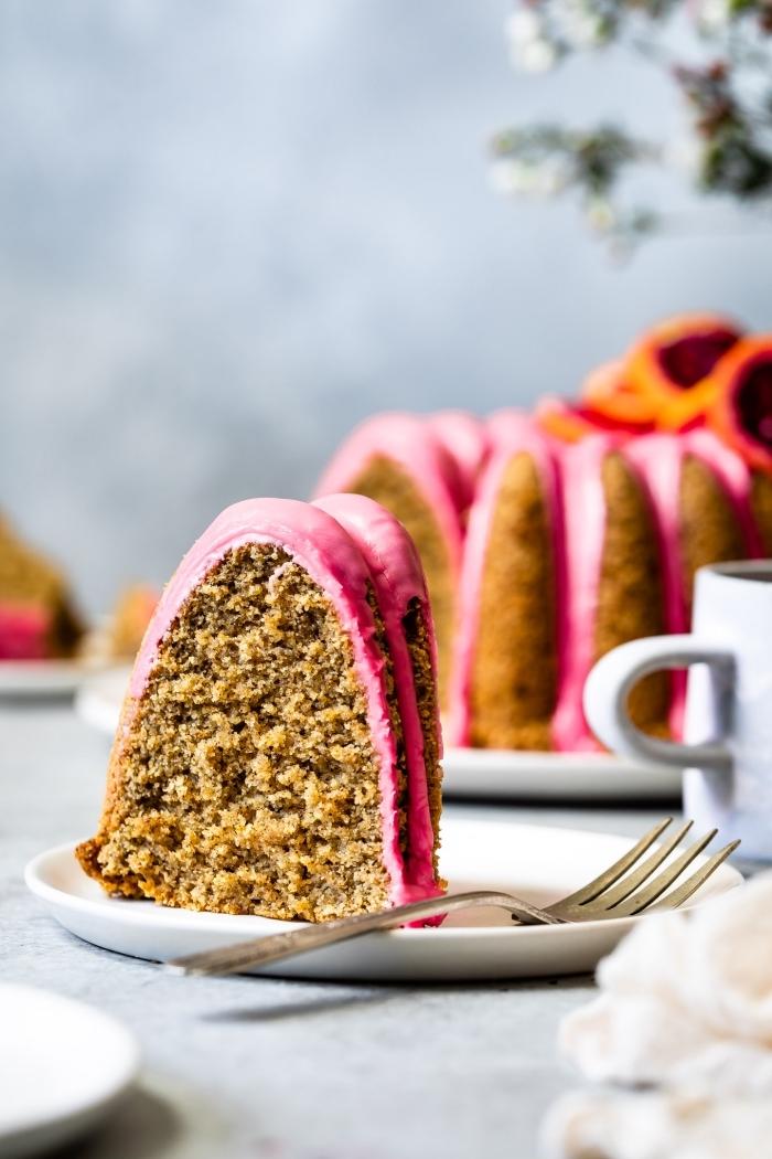 glutenfreie rezepte, kuchen mit rosa glasur, kuchenrezepte einfach und schnell, nachtisch zu weihnachten