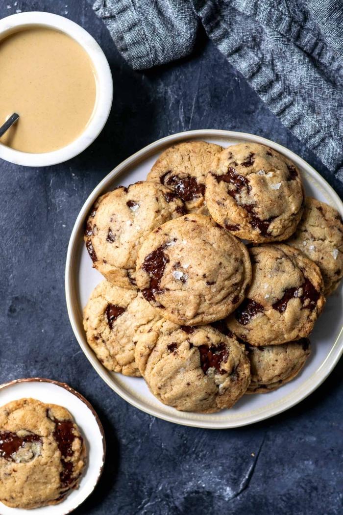 glutenfreie rezepte, selsbtgemachte kekse mit schokolade und erdnussbutter, schokokese ohne gluten