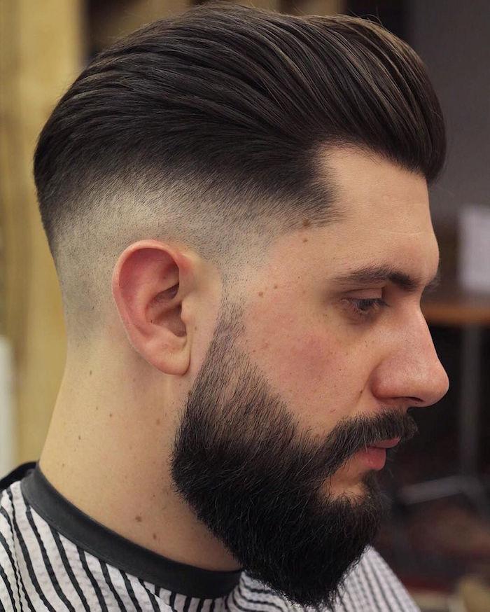 männerfrisuren 2019, schwarze haare färben, frisur für männer, bart und haare