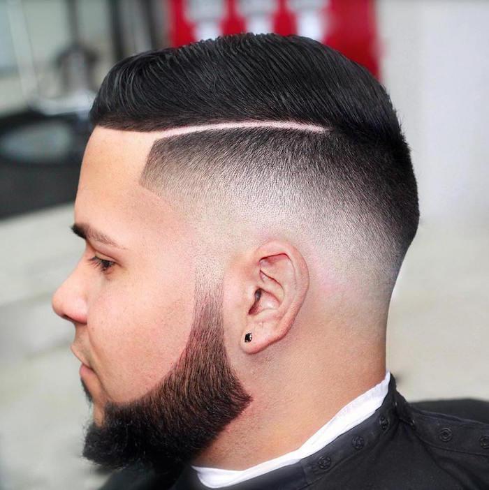 frisuren männer undercut, trendy haargestaltung, präzis gemacht mit feinen linien und übergängen