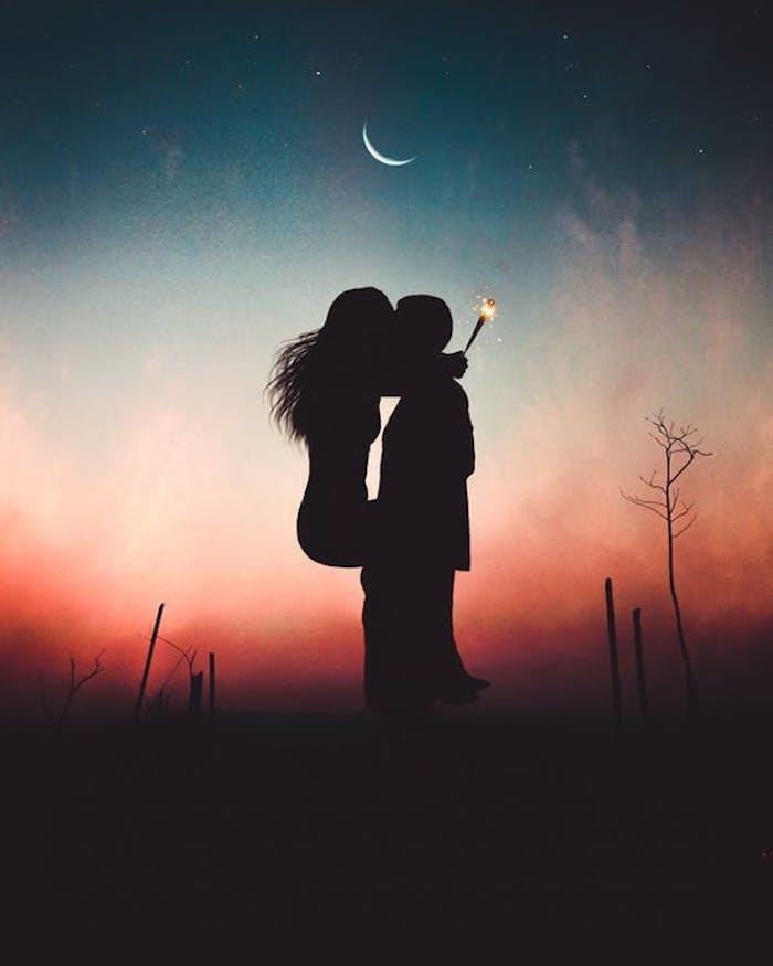tumblr hintergrundbilder, frau und mann küssen unter dem mond, rot und blau hintergrund
