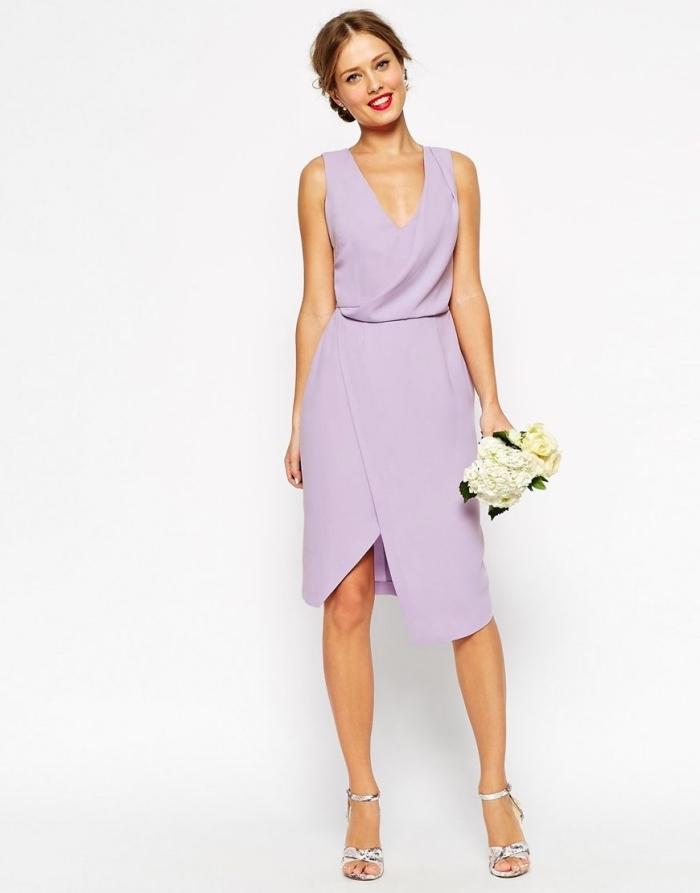 hochzeitsgast outfit ideen, knielanges helllila kleid, festliches sommerkleid in kombination mit silbernen schuhen